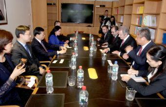 Federico Valdés recibió a rector de Universidad de Tsinghua