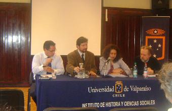 Docentes UDD participan en la IV Jornada de Historia de la Relaciones Internacionales